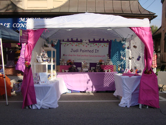 Craft Booth Tent http://www.flickr.com/photos/37765537@N06/3990889153/