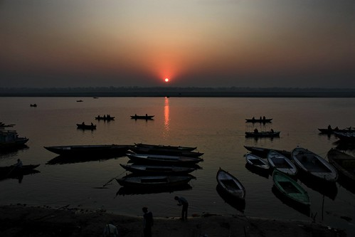 india sunrise canon photography eos dr varanasi kashi ganges banaras ghat basu explored satyaki 450d abigfave goldmedalwinner platinumphoto goldstaraward gettyimagesmiddleeast