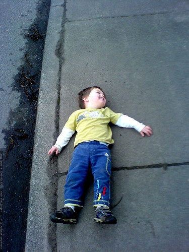 laying down on the bridge   DSC02744