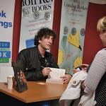 Neil Gaiman book signing |