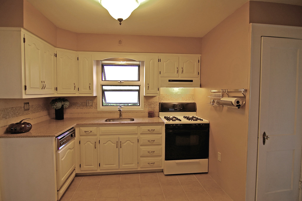 For Rent In Bloomfield Nj 07003 Near Nyc 2 Br Granite Kitchen Use Of Bbq Grill And Patio