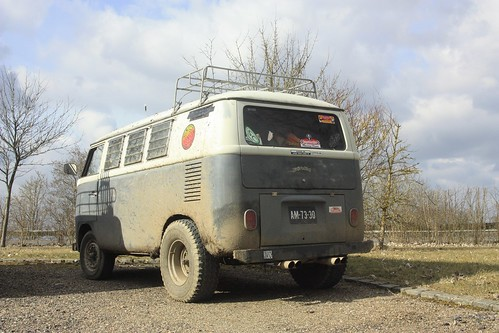 AM-73-30 Volkswagen Transporter SO-42 Westfalia camper