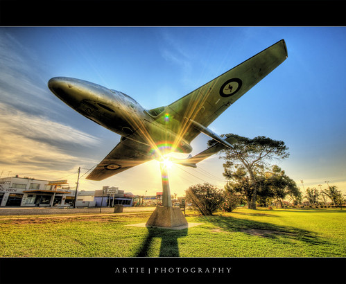 sunset monument photoshop plane canon memorial shadows shine cs2 wwii australia wideangle lensflare ww2 handheld newsouthwales 1020mm hdr artie waggawagga 3xp sigmalens photomatix tonemapping tonemap 400d rebelxti planemonument