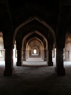 Изображение на  Khirki Masjid. jahanpanah khirkivillage khirkimasjid