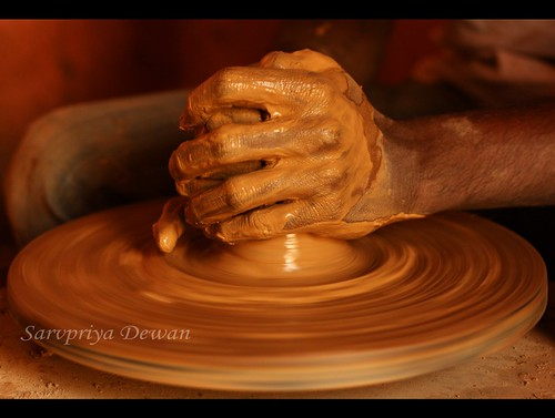 india wheel canon mud magic bangalore potter pot clay dslr potterytown potterswheel indianphotography theperfectphotographer rubyphotographer canon1000d potterhands handsthatdothemagic canon1000ddslr