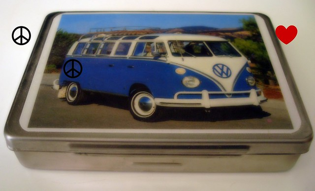 kombi tin this tin mum bought for me i love the kombi an flickr photo sharing. Black Bedroom Furniture Sets. Home Design Ideas
