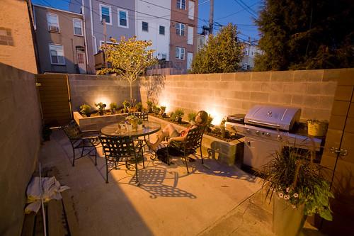 Baltimore rowhouse backyard landscaping update for Row house garden design
