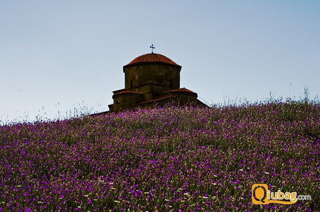 Piękne zdjęcie kościoła w Gruzji