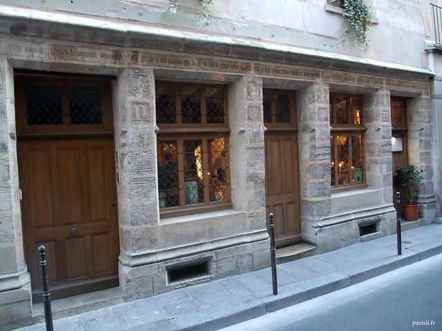 Auberge nicolas flamel plus ancienne maison de paris le for Auberge du pin rouge