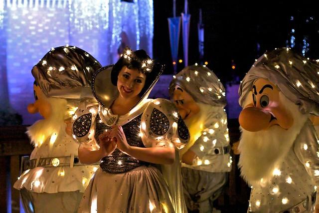 WDW Dec 2008 - SpectroMagic Parade