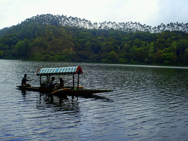 Pleasure Boating in Kundala lake, Munnar