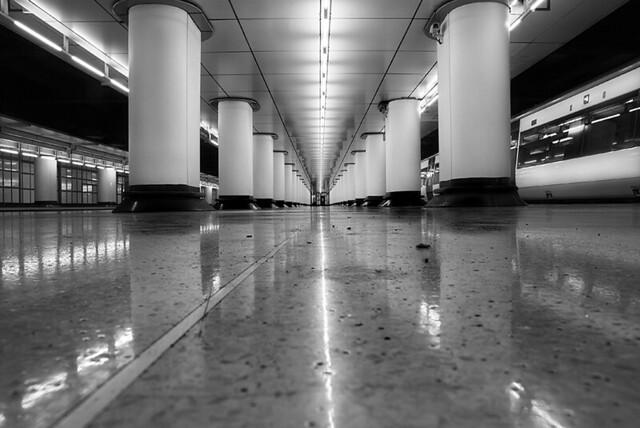 platforms 17-18