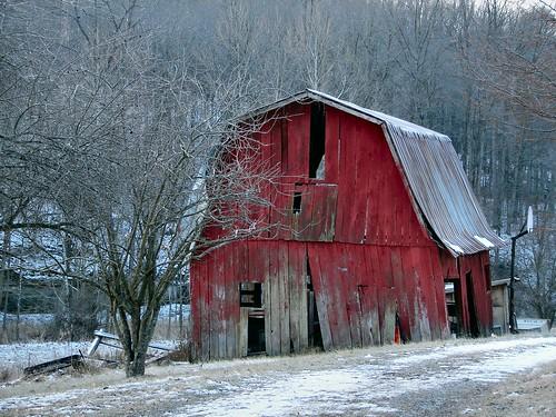 morning winter red snow barn early frost indiana 100views 200views orangecounty naturesfinest goldmedalwinner ysplix goldstaraward unionvilleroad dragondaggerphoto dragondaggeraward