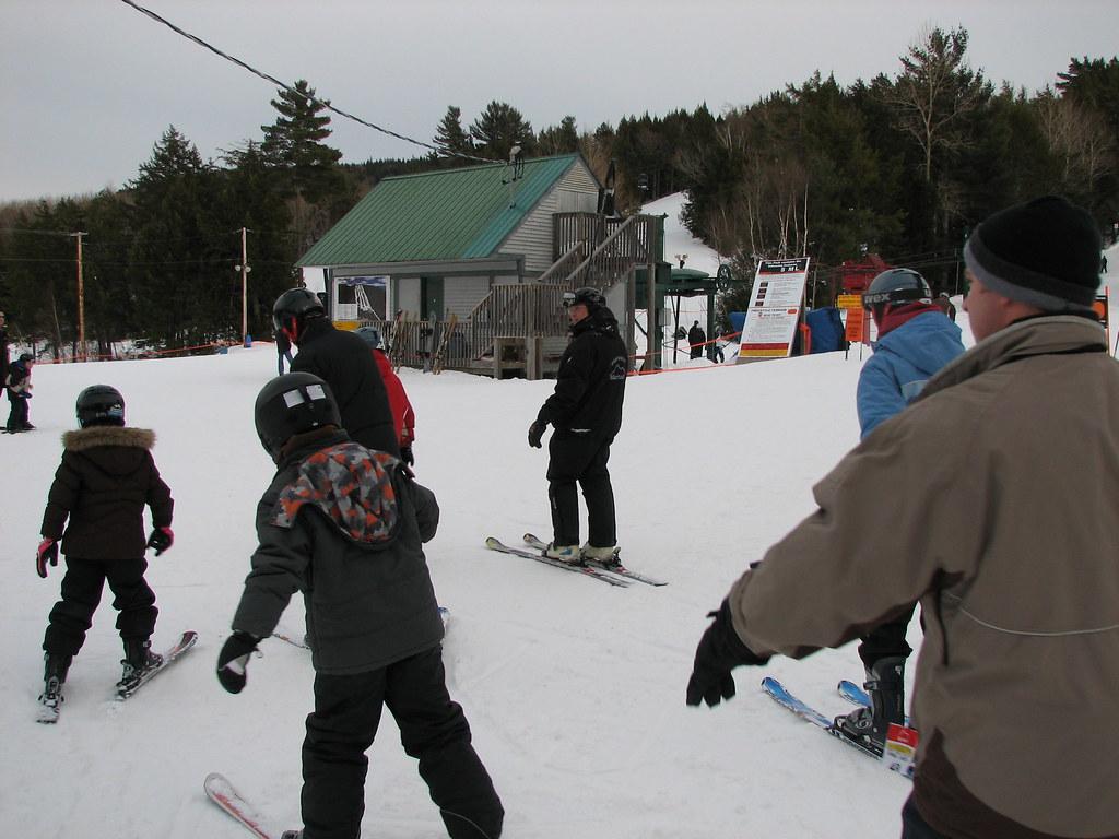 Ski Martock | Beginners set off on their free ski lesson