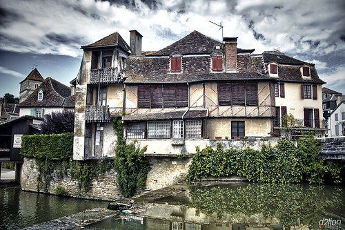 THE HAUNTED HOUSE. SALIES-DE-BÉARN.