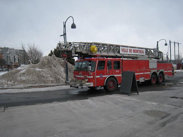 3291056863 ee27689cd8 - Lit camion de pompier ...
