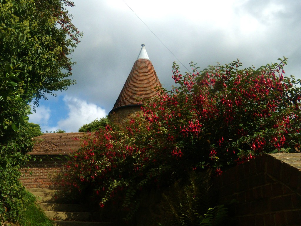 Oasthouse with fuschia Edenbridge to Westerham