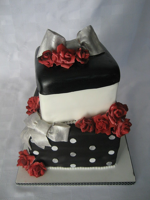 Pictures of 25Th Anniversary Cakes http://www.flickr.com/photos/christinacakes/3919958412/