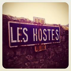 Les GC sont les chemins vicinaux de grande communication (traversant plusieurs communes ou cantons). Charme désuet de la nomenclature des routes françaises rurales...
