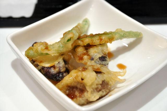 日式蓋飯-鮭魚茶泡飯的額外小配菜