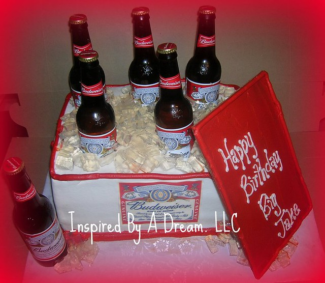 Beer Cooler Cake http://www.flickr.com/photos/inspiredbyadream/3313422182/