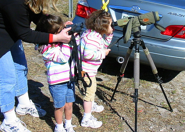 Granddaughters Viewing Eagle Nest 20090205