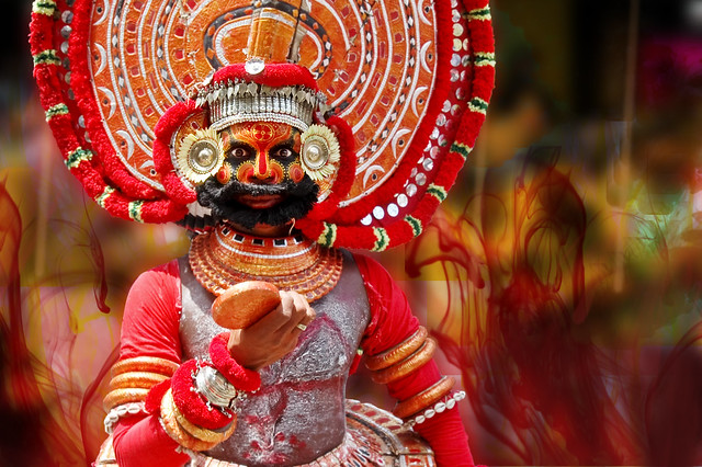 Theyyam at Onam Attahchamyam in Kerala !