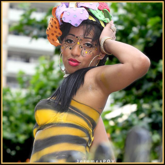 Bees Ebony 82