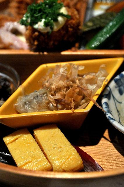 杏子豬排商業午餐-玉子燒和烤茄子
