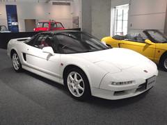 automobile(1.0), automotive exterior(1.0), vehicle(1.0), honda(1.0), honda nsx(1.0), bumper(1.0), land vehicle(1.0), coupã©(1.0), supercar(1.0), sports car(1.0),