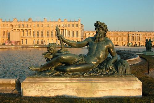 Le Château de Versailles au coucher du soleil