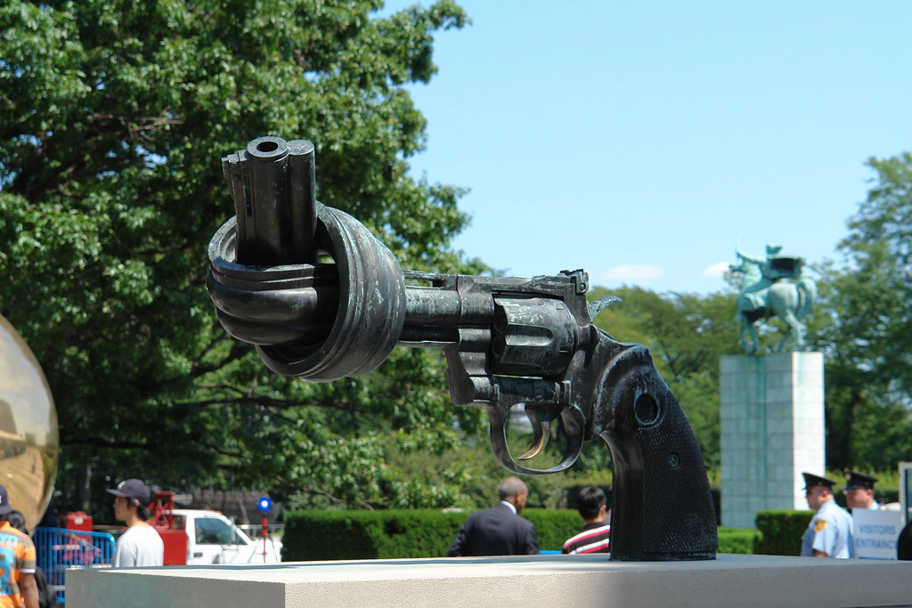 Carl Fredrik Reuterswärd Sculpture: The Knotted Gun Sculpture, United Nations Headquarters, New York, NY, USA