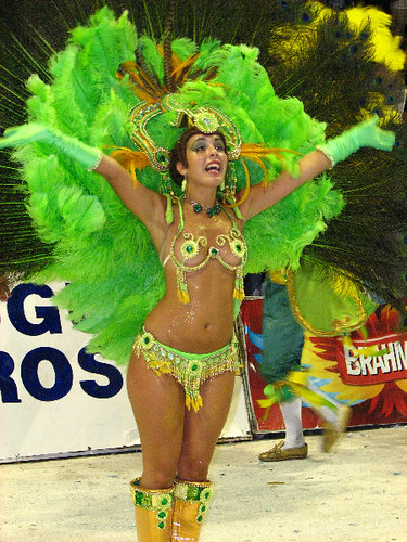 Sexy Latina Girl In Green Bikini & Feather Headdress - Gualeguaychu Carnaval ...