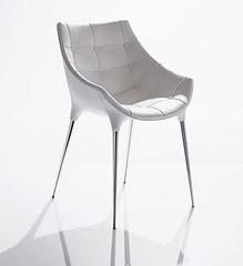כיסא בעיצוב פיליפ סטארק
