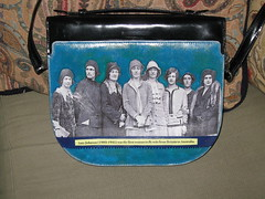 Amy Johnson purse, back by pennylrichardsca (now at ipernity)