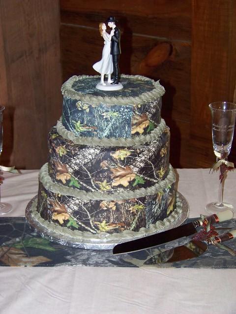 Mossy Oak New Break Out Camo Wedding Cake