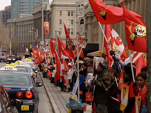 2009-03-16 Toronto Tamil protest: flags & cabs at Union Station