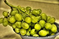 citrus(0.0), plant(0.0), key lime(0.0), liqueur(0.0), food(0.0), olive(1.0), produce(1.0), fruit(1.0),