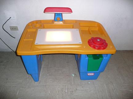 Little Tikes Activity Desk $25