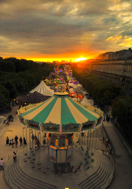 Paris louvre amusement park retro sunset flickr for Amusement parks in paris