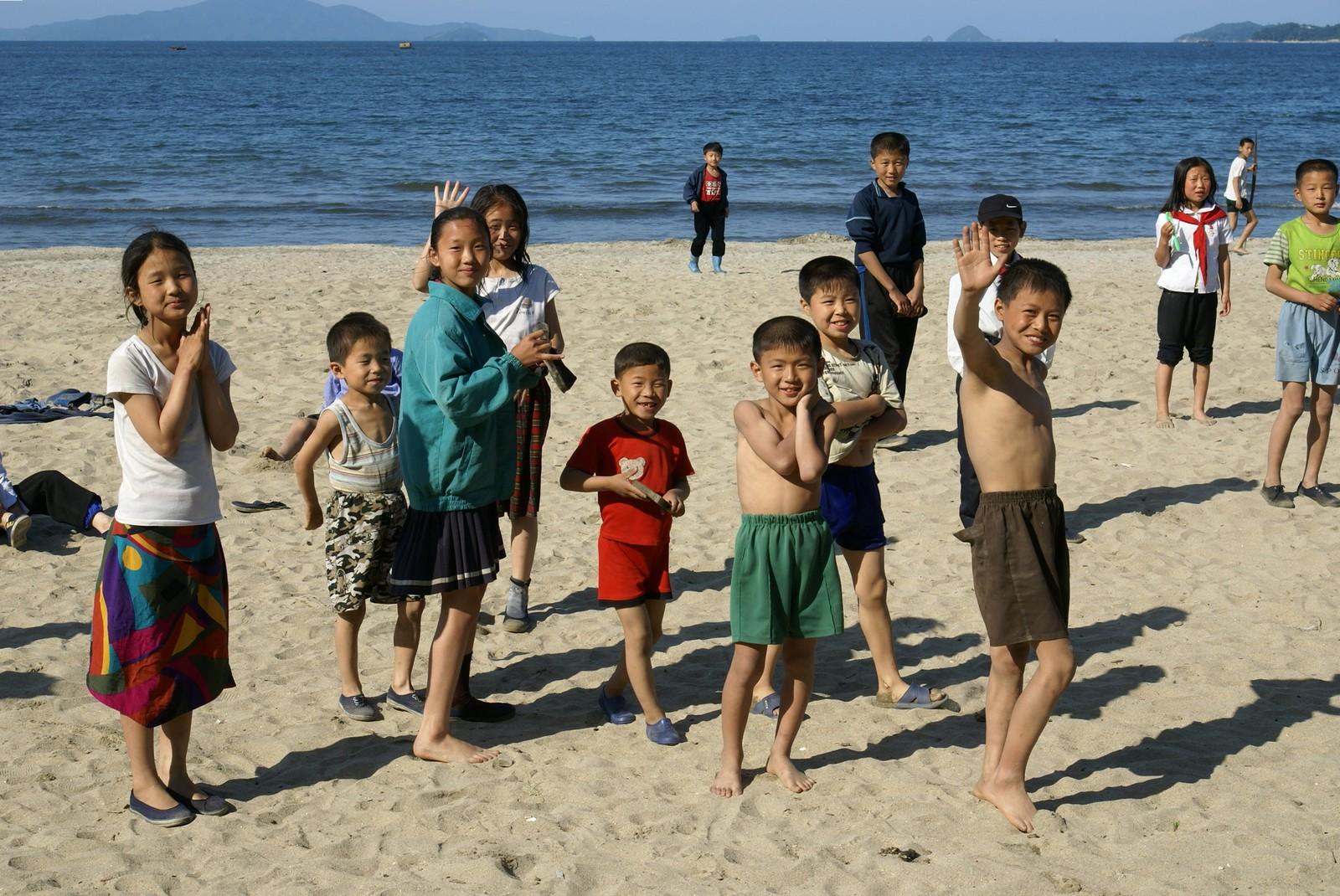 North Korean children at Songdowon beach