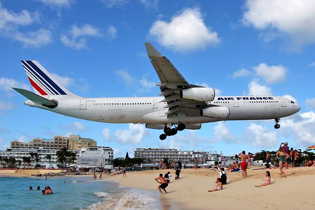 Air France - Airbus A340-313X (F-GLZL)