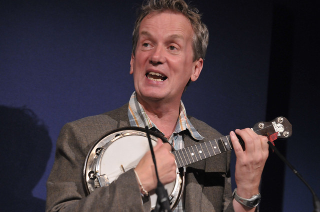 Frank Skinner and his banjo
