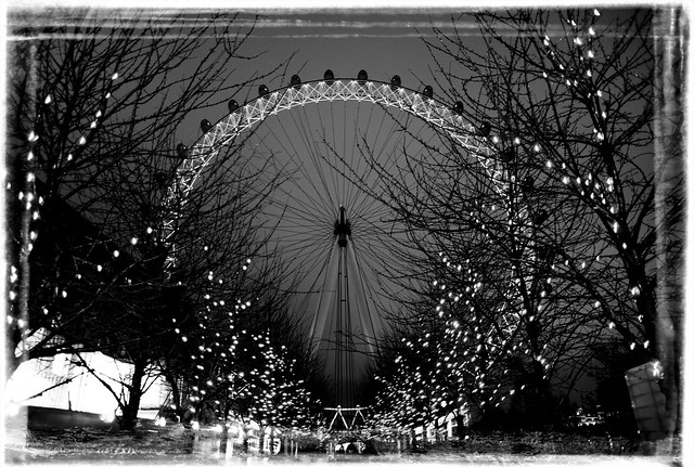 london eye black and - photo #11