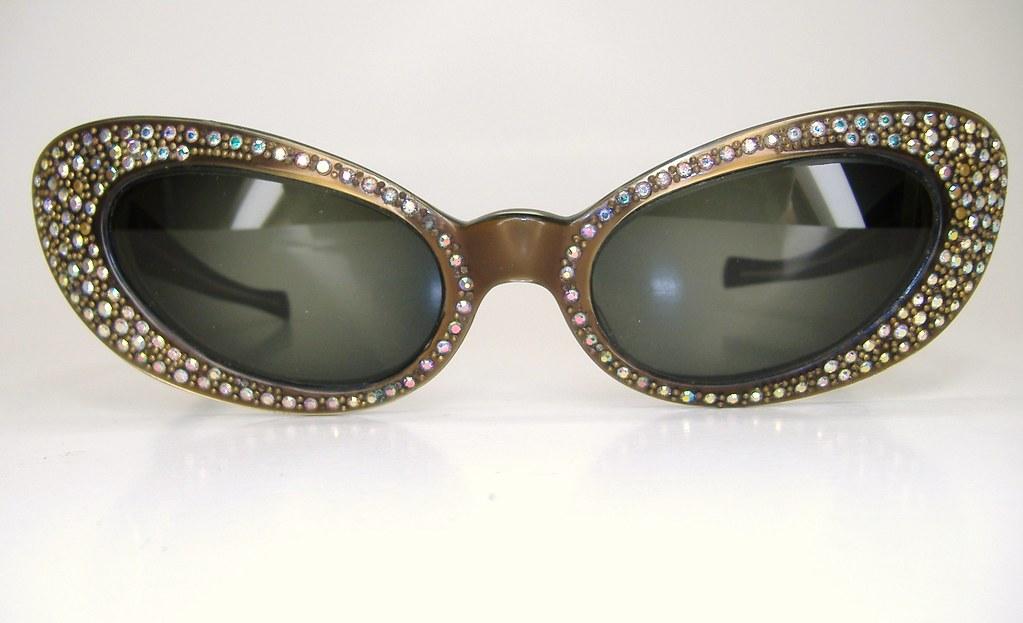 6f3b48cac37f Vintage Paris France Rhinestone Hollywood Glam Cat Eye Eye…