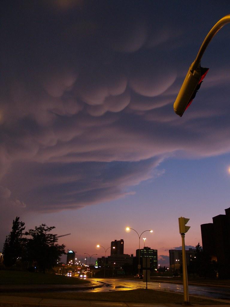 Strange clouds  Étranges nuages