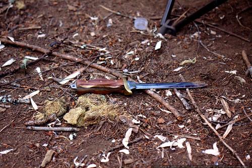 big sharp knife left on the ground overnight     MG 9810