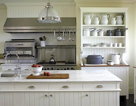 Popular farmhouse style kitchen with white marble white w for Small old kitchen ideas