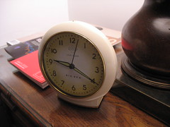 hand(0.0), decor(0.0), watch(0.0), alarm clock(1.0), clock(1.0),