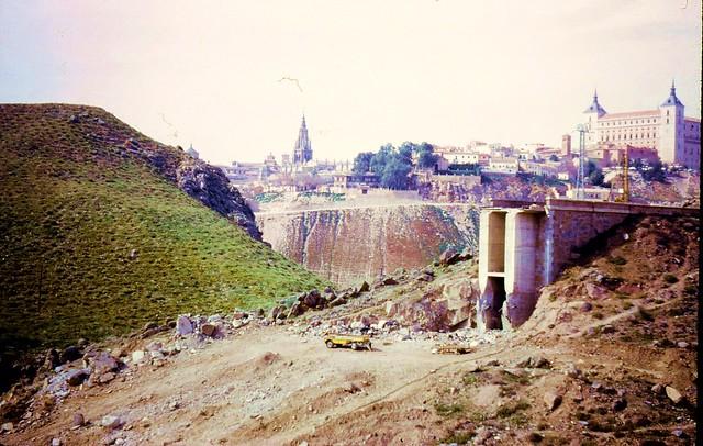 Puente de la Degollada (Toledo) derruido en 1973. Foto de Don Pugh (turista australiano de Perth)